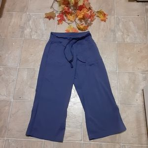Lululemon crop pants 4 tall